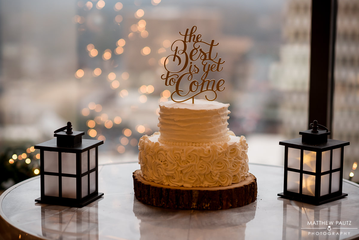 Commerce Club Wedding Photos | Wedding Cake